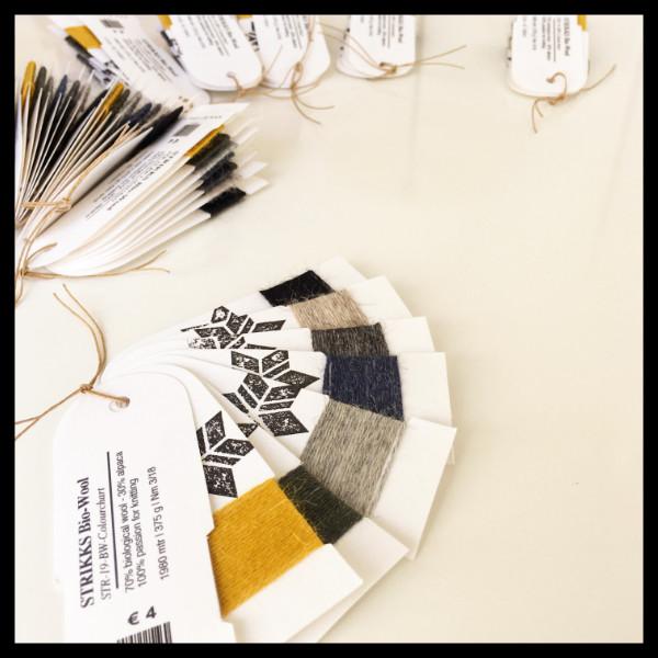 STRIKKS breigaren breimachine kleurkaart